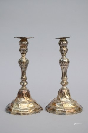 A pair of twisted Louis XV candlesticks in silver (27cm)