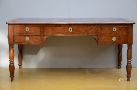 A Charles X desk in mahogany, 19th century (79x160x77cm)
