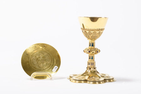 Gothic revival chalice with pateen in gilt silver by Henricus van Gardinge, 19th century (22cm)