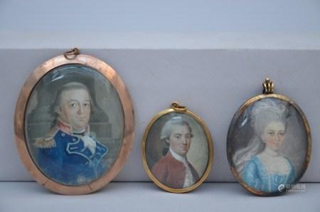 Lot: 3 miniatures 'portraits' (4cm)