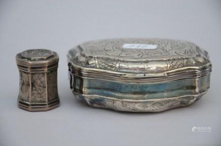 Tobacco box and snuff box in silver, 18th century (*) (9x3cm)