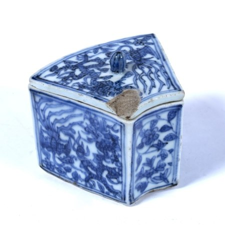 Blue and white fan shaped rectangular bowl and cover Chinese decorated all over with panels of