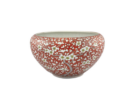A LARGE CHINESE CORAL GROUND JARDINERE, 19th century, or circular form, with incurved rim, reverse