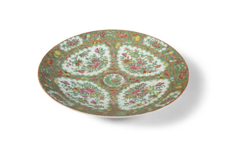 A LARGE CHINESE FAMILLE ROSE CHARGER, Canton 19th Century, of shallow circular form, decorated