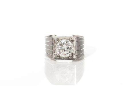 GOLD & DIAMOND SOLITAIRE RING