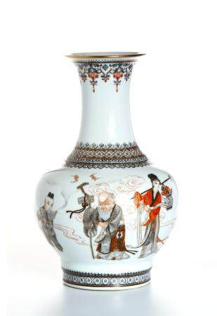 Chinese Famille Rose 'Figural' Vase