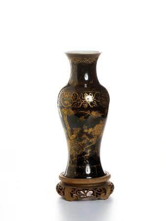 Chinese Mirror-Black Glazed Gilt-Painted Vase