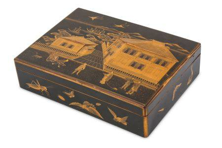 AN EXPORT LACQUER BOX AND COVER. Edo period (19th Century). The box with hinged cover richly