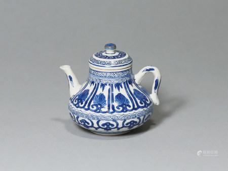 清康熙 青花如意蓮花紋小茶壺