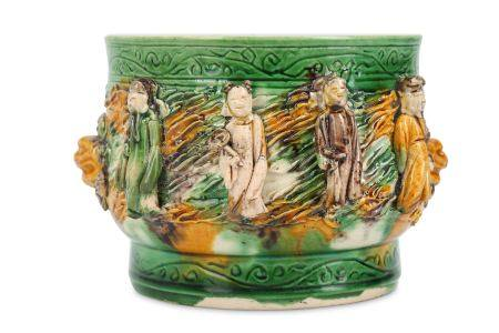A CHINESE FAMILLE VERTE BISCUIT 'EIGHT IMMORTALS' INCENSE BURNER.