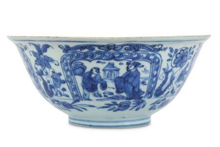 A CHINESE BLUE AND WHITE KRAAK PORCELAIN BOWL.