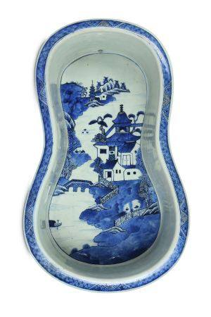 A CHINESE BLUE AND WHITE BIDET.