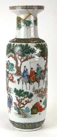 A large Chinese famille verte vase decorated with figures in a landscape, 65cms (25.5ins) high (a/