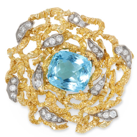 AN AQUAMARINE AND DIAMOND BROOCH, ANDREW GRIMA 1965 the abstract, naturalistic design set at the