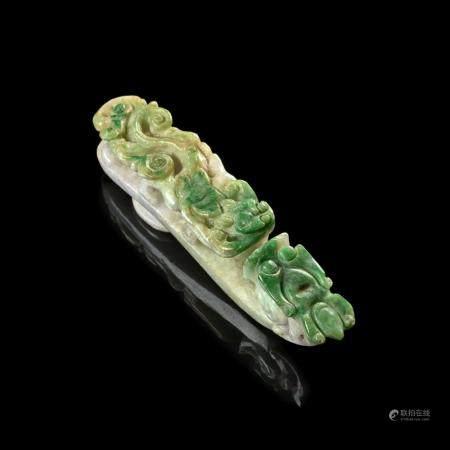 FIBULE EN JADÉITE, Chine, fin de la dynastie Qing, fin du XI