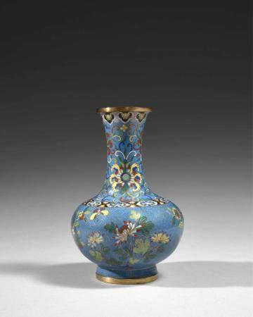 VASE EN BRONZE DORÉ ET ÉMAUX CLOISONNÉS, Chine, dynastie Qin