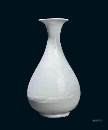 清代 白瓷玉壶春瓶