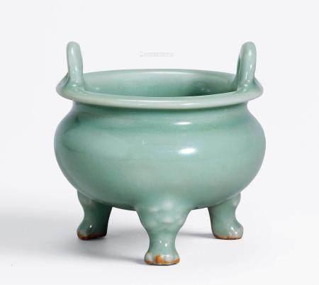 元 龙泉窑鬲式三足炉