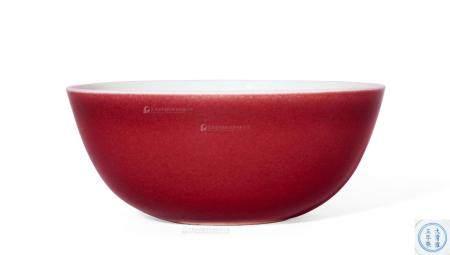 清雍正 霁红釉卧足碗