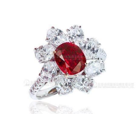2.04克拉 天然莫桑比克鸽血红红宝石配钻石戒指 未经加热