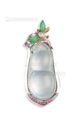 天然冰种翡翠豆荚配满绿翡翠及彩色钻石吊坠
