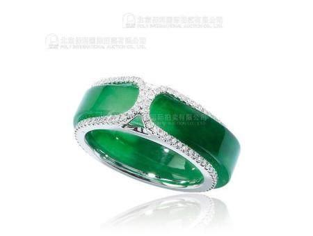 天然满绿翡翠配钻石戒指