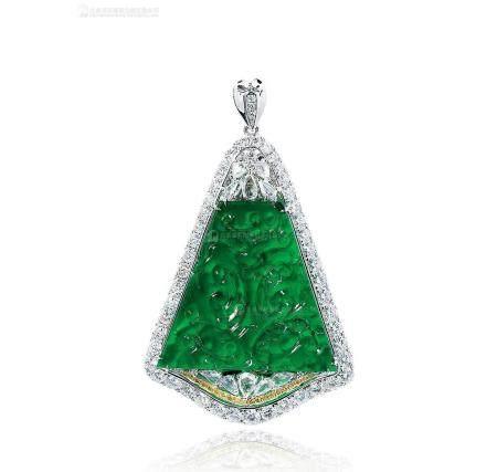 天然满绿精雕仿古花纹翡翠配钻石吊坠