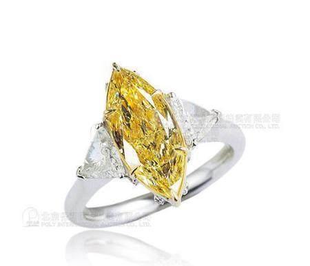 3.02克拉 天然浅彩黄色钻石戒指