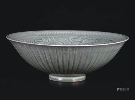耀州窑刻牡丹纹大碗