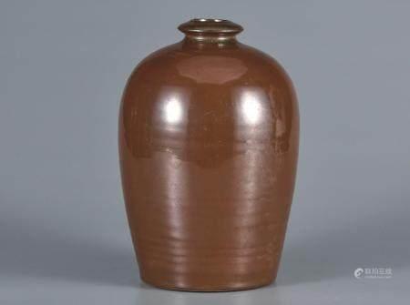 酱定釉梅瓶