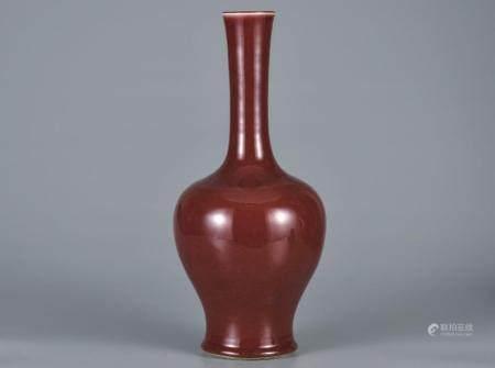 霁红釉长颈瓶