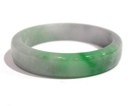 A Chinese Straight Sided Jade Bangle, in Mauve with Green St