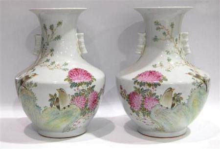 A Large Pair of Chinese Qianjiang Vases, Painted with Large