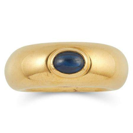1.00 CARAT SAPPHIRE RING, CHAUMET set with a cabochon