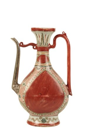 RARE KINRANDE PEAR-SHAPED EWER, JIAJING PERIOD