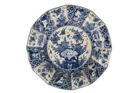 BLUE AND WHITE DODECAGONAL DISH, KANGXI PERIOD