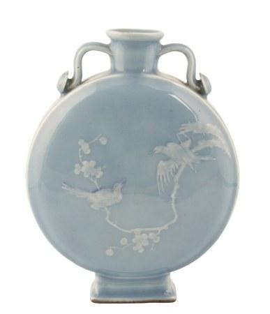 LAVENDER-BLUE GLAZED MOON FLASK (BIANHU), QIANLONG / JIAQING PERIOD
