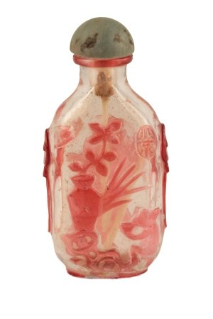 ROUNDED RECTANGULAR RUBY-OVERLAID CLEAR GLASS SNUFF BOTTLE, QING DYNASTY