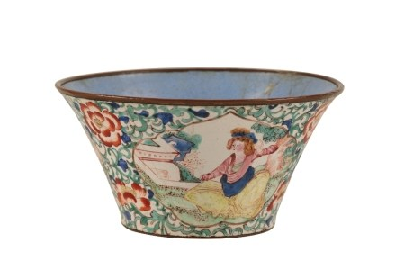 CANTON ENAMEL EUROPEAN-SUBJECT FLARED WINE CUP, KANGXI / YONGZHENG PERIOD