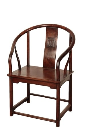 HUANGHUALI 'HORSESHOE' BACK ARMCHAIR, MING DYNASTY, 17TH CENTURY