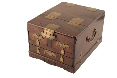 HARDWOOD AND BRASS BOUND DRESSING BOX, QING DYNASTY, 18TH CENTURY