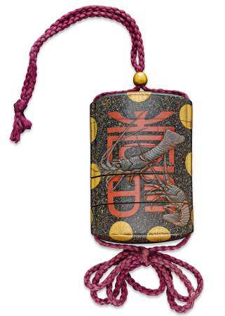 A LACQUER INRO DECORATED WITH THREE CRAYFISH IN TAKAMAKIE.
