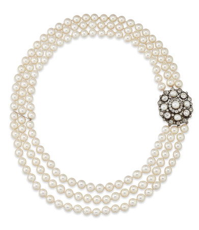 THREE-ROW CULTURED PEARL NECKLACE TO LATE 19TH CENTURY PEARL AND DIAMOND CLASP