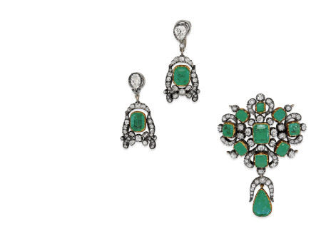 MID 19TH CENTURY EMERALD AND DIAMOND PENDANT/BROOCH AND EMERALD AND DIAMOND EARRINGS