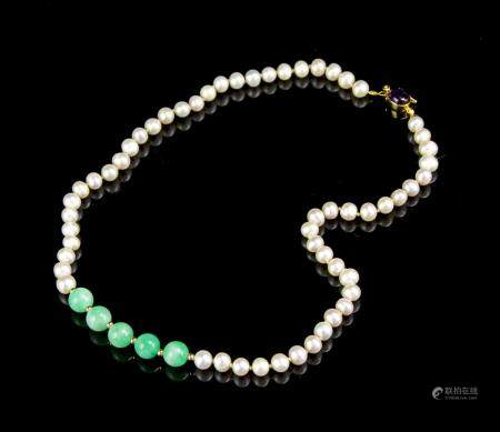 PEARL AND JADEITE NECKLACE
