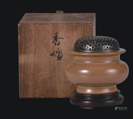 茶叶茉釉熏炉  配银盖木座