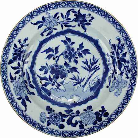 Chinesischer Speiseteller, Kangxi-Periode (1654-1722), handgedrehter Porzellanteller, heller