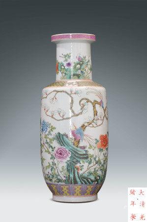 清  粉彩花鳥紋瓶