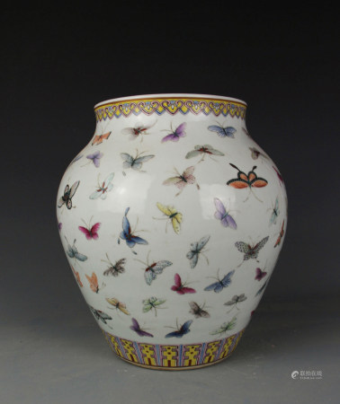 FAMILLE ROSE BUTTERFLY PORCELAIN JAR, QING DYNASTY