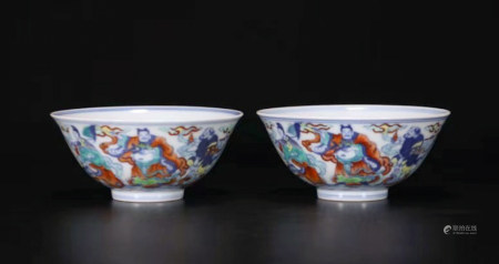 PAIR OF DOUCAI PORCELAIN BOWLS, QING DYNASTY